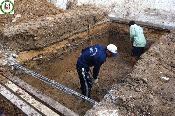 Tiến hành đào hầm cầu